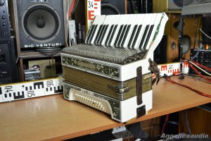 HOHNER VERDI I akordeon (17)