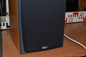 Bowers & Wilkins DM 303 (3)