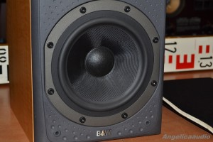 Bowers & Wilkins DM 303 (9)