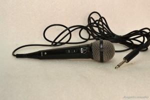 AKG D50S microphone