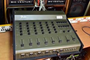 Fender MA 6