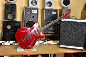 Jolana Studio Bass