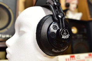 AKG studio monitor K 240 DF