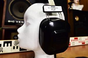 Tesla ARF 300 stereo headphones sluchátka