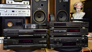 Technics SA-AX 530 AV receiver, CD changer SL-PD8, CD player SL-P377A, Tuner ST-610, CD player SL-PG390