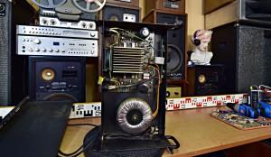 Výkonový zosilňovač Q Sound QSA 600 Stereo Zesilovač - k servisu - 1 kanál nehraje (177030)