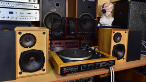 Gramofon Tesla NZC 431 (177009) reprosoustavy Tesla ARS 9204 (177011) přenoska Tesla VM 2102