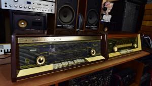 PHILIPS Planoton B4A 23A/01 Röhrenradio (177046) - HORNYPHON HORNY W 462 A/70 Röhrenradio (177047)