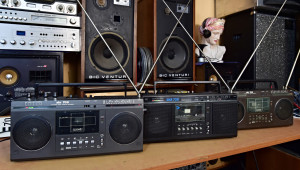 RFT SKR 700 - RFT SKR 720 VEB STERN-RADIO BERLIN DDR Radio Cassette Recorder (177085-7)