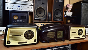 TESLA 315 U Sonatina - TESLA 308 U Talisman Art Deco Style Radio