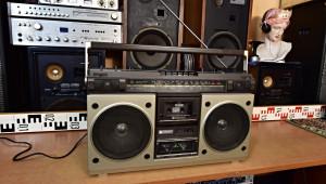 HITACHI TRK-8200E radiomagnetofon Japonsko (177368)