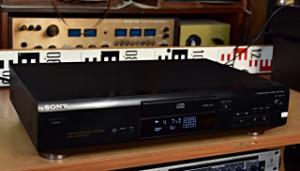 SONY CDP XE-210 CD player - CD přehrávač - Compact Disc Player - Digital Optical Output (177555)