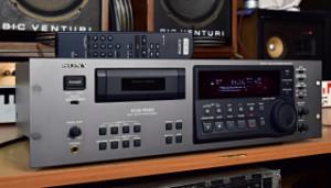 SONY PCM-R500 Digital Audio Recorder - DAT Digital Audio Tape Deck (177570)