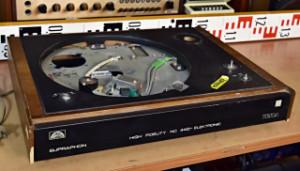 Gramofon TESLA NC 440 - SUPRAPHON nekompletní šasí na náhradní díly (177787)