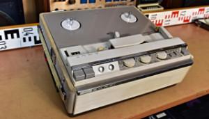 SONY Stereo Tube Tapecorder Model 464 přenosný elektronkový magnetofon (178008)