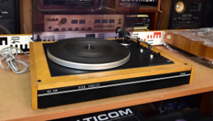 Gramofon TESLA NC 430 (178131) hlavička přenosky (178132-86)